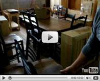 Chaises, tables et autres produits en bois de pin